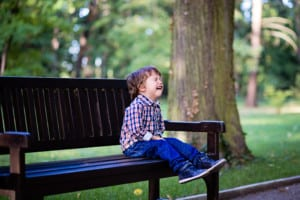 Children throwing tantrums in public spaces can, often times, test parent's patience.